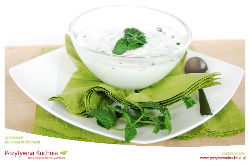 Raita miętowa z jogurtu naturalnego