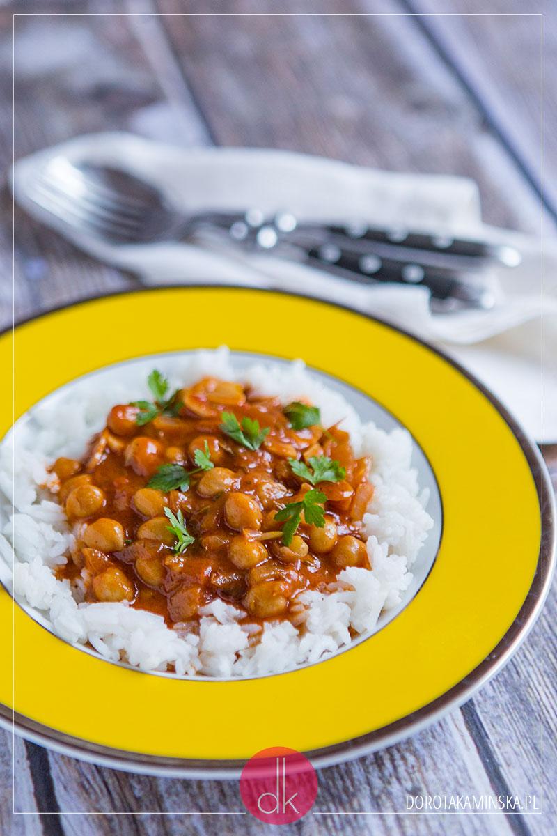 Ciecierzyca z sosem pomidorowym przepis | Dorota Kaminska